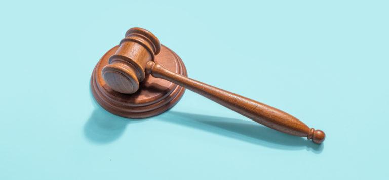 """Advogado processa OAB por provimento sobre """"ostentação"""""""